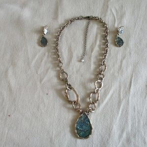 NAQ Necklace Ear Ring Set Dark Mother of Pearl